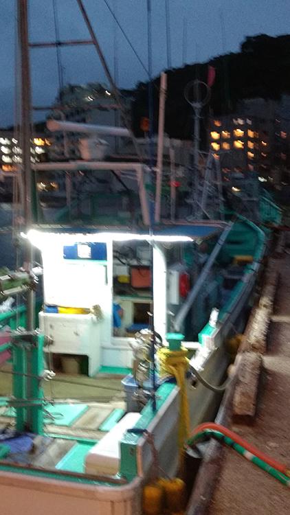 漁船・テープライト点灯時の写真