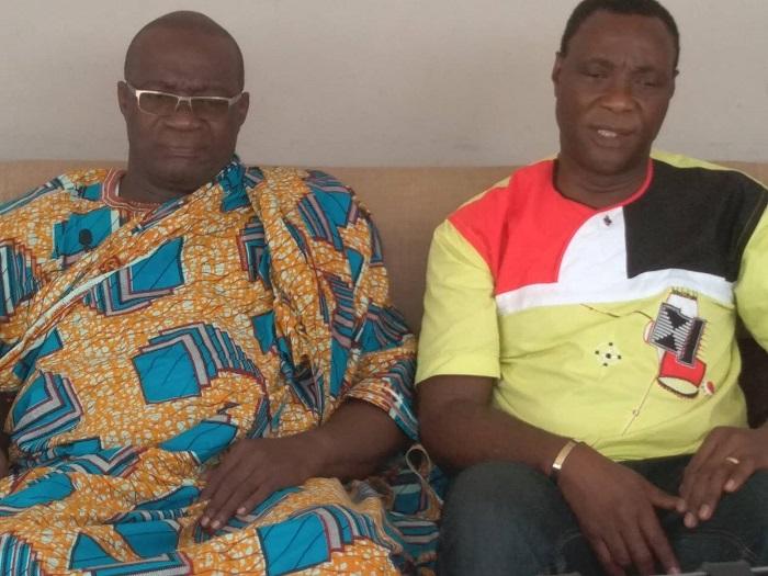 Labion Maxime aux côtés du chef de Petit-Bassam ledebativoirien.net
