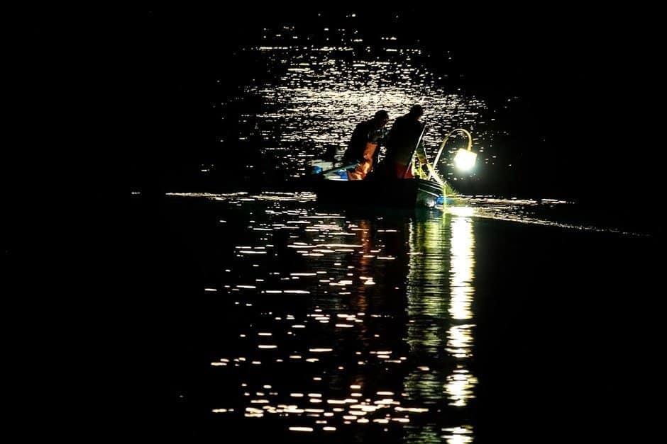 Best Night Fishing Light Lanterns Submersible Amp Spotlight