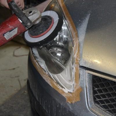 Полировка фар автомобиля Ford C-MAX