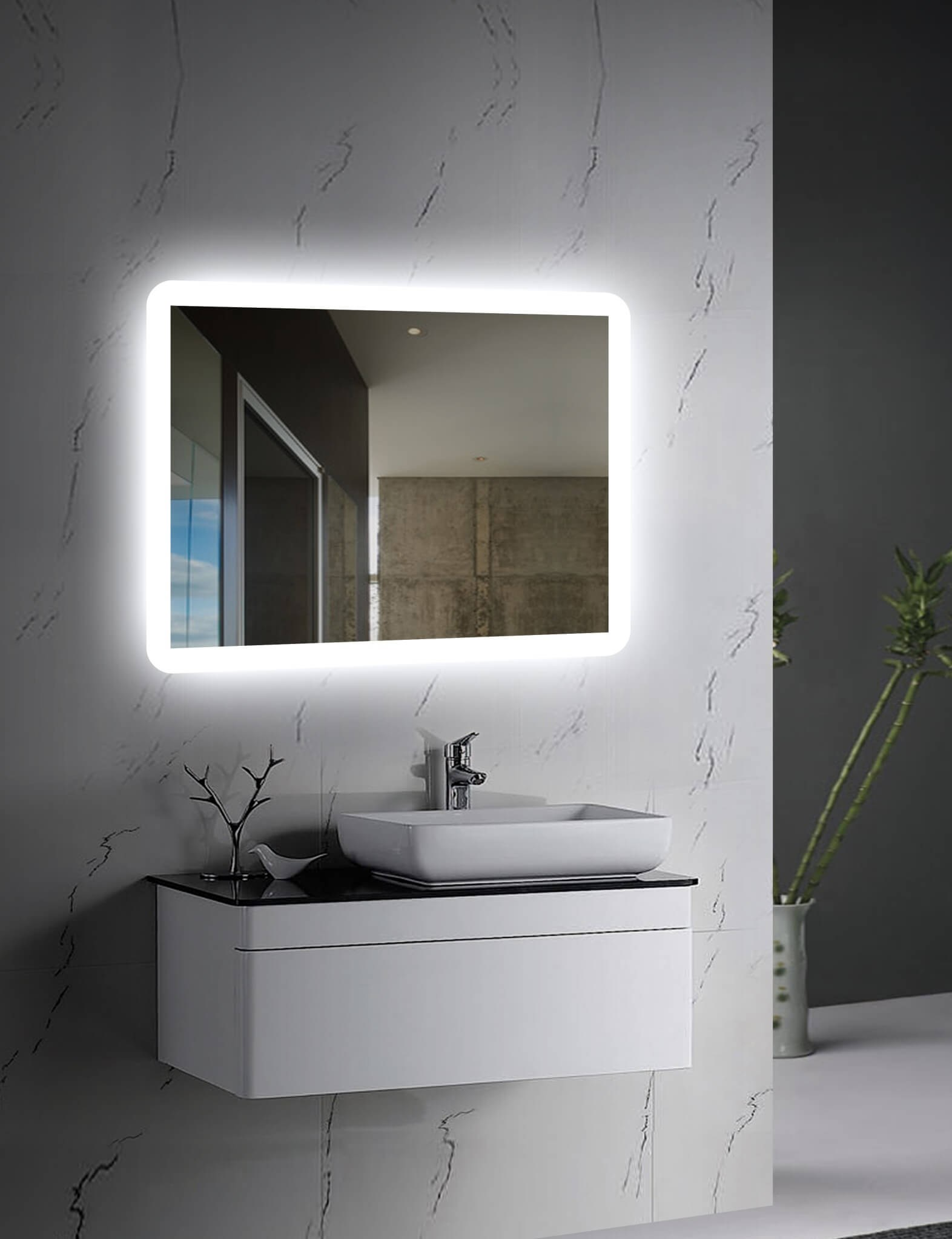 THE PERFECT LED MIRROR FOR YOUR HOME