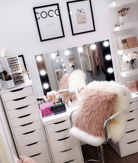 Hollywood mirrors: our customer looks – GLAMO LED Mirrors India.