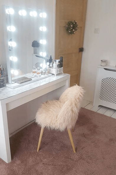 Hollywood Vanity Mirror; DIY looks | ledMirror Blog – GLAMO LED Mirrors India.