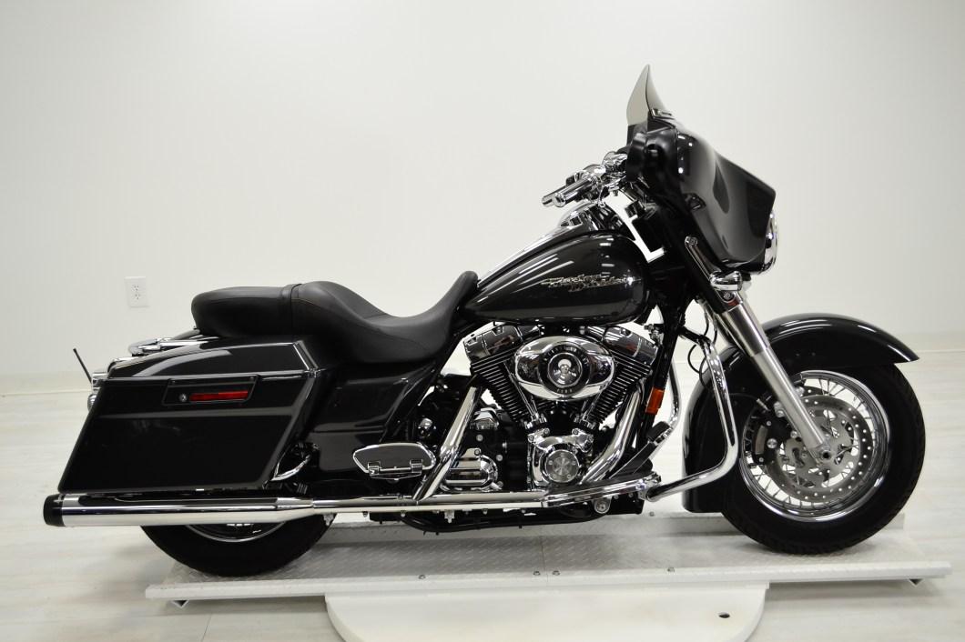 2008 FLHX Harley Davidson | Lee Custom Cycles