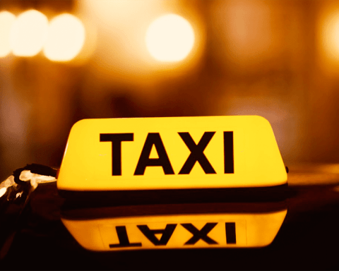 Leeds-taxi-and-private-hire-drivers