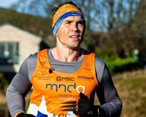Kevin Sinfield - The Extra Mile Challenge