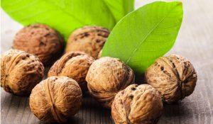 Noten zijn gezond helpen je afvallen. Maar eet nooit méér dan een handjevol noten per dag