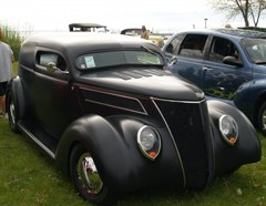 Northport's Cars in the Park