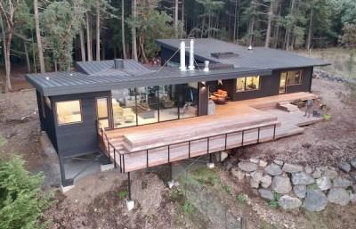 Flattop House Exterior