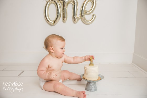 Dublin ohio first birthday cake smash photography-7