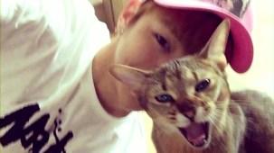 PRODUCE 101 _ Kang Daniel and his cats.mp4_000056890