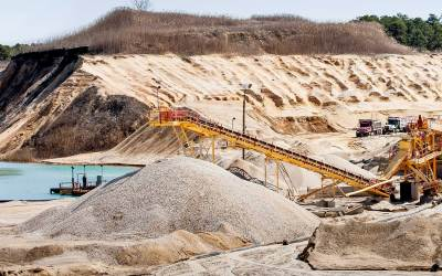 New Jersey's sand mining industry provides some of the country's best sand, but finds itself in an economic slump