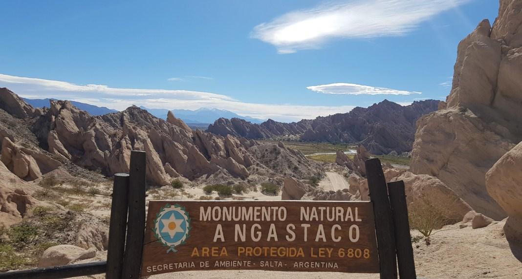 La Quebrada de Las Flechas, el Monumento Angastaco; Ruta Nacional ...