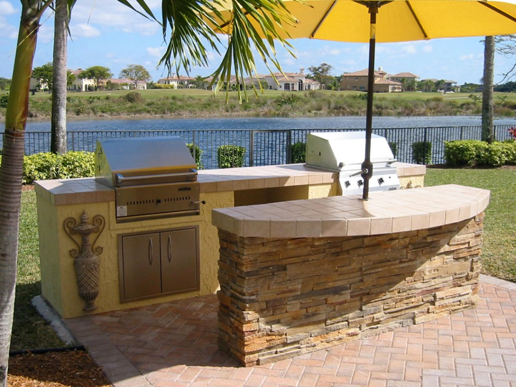 outdoor kitchen image gas and charcoal « Backyard Design ... on Backyard Patio Grill Island id=61114