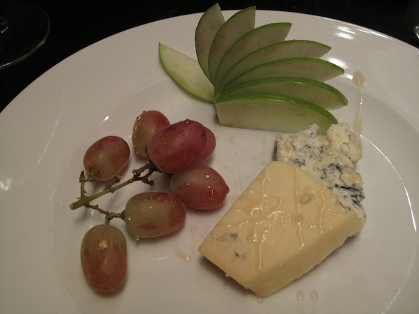 Cheese plate with blue cheese and Gruyère