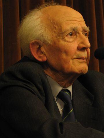 Twee vertaalde werken van Zygmunt Bauman, in vertaling voor de G8 Filosofie