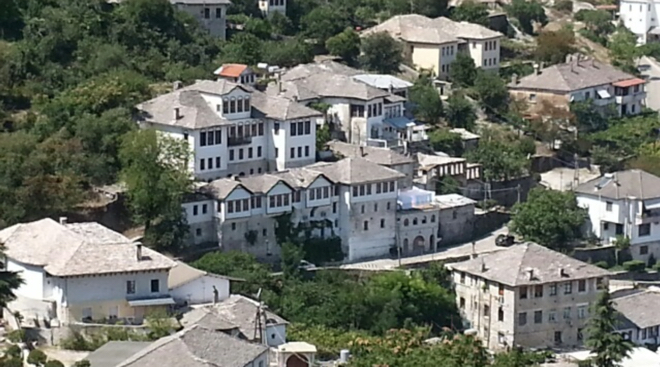 albanien-girokaster-historische-gebaeude
