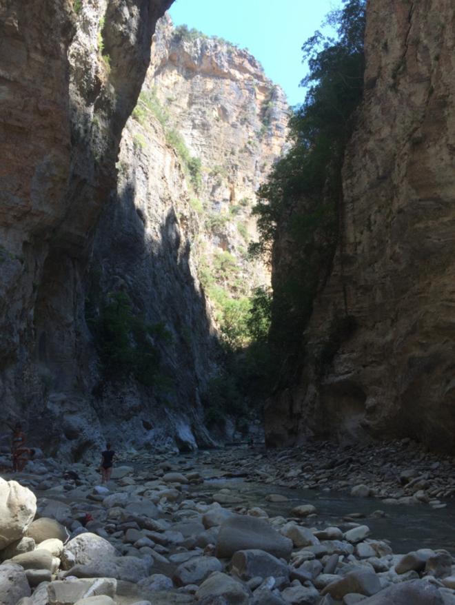 albanien-schlucht-thermalquellen