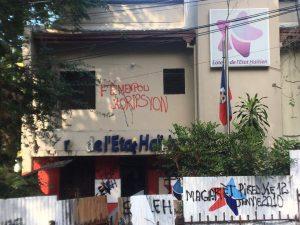 Haïti-Corruption : Fermeture de la Loterie de l'État haïtien, les employés réclament la révocation de la Directrice