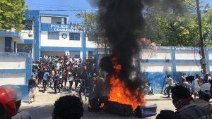 Haïti-Politique: Démonstration de force des policiers à Delmas 33