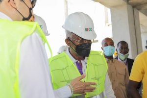 Haïti-Santé: Agabus Joseph visite l'Hôpital de l'OFATMA à Port-de-Paix