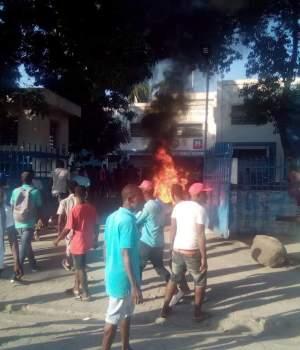 Haïti-Insécurité : Incendie au Commissariat de Léogane