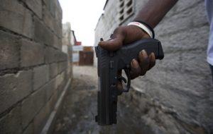 """Haïti-Insécurité : Bilan partiel des affrontements armés entre """"Ti Bois et Grand-Ravine"""", selon un témoin"""