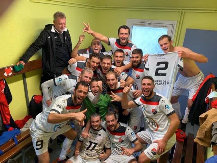 Les joueurs de l'AA Lapalisse pourront se baser sur leur victoire 2-0 à Veauche dimanche 27 septembre avant d'affronter l'Académie de Moulins, samedi 3 octobre lors du 4ème tour de Coupe de France. Photo : Bruno VIAL
