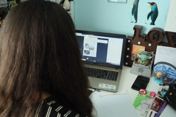 Laura, 17 ans, en classe à la maison? Photo : Ornella Gache