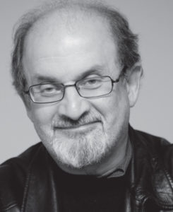 Salman Rushdie levde med fatwaen hengende over seg i nesten ti år. (Foto: Aschehoug forlag)