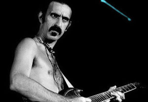 Frank Zappa (Foto: Mark Estabrook, Wikimedia Commons)