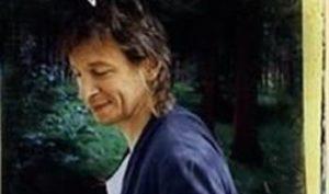 Stefan Sundstršöm lagde god pr for seg selv med albumet «Nästan som reklam» i 1996. (Foto; platecover)
