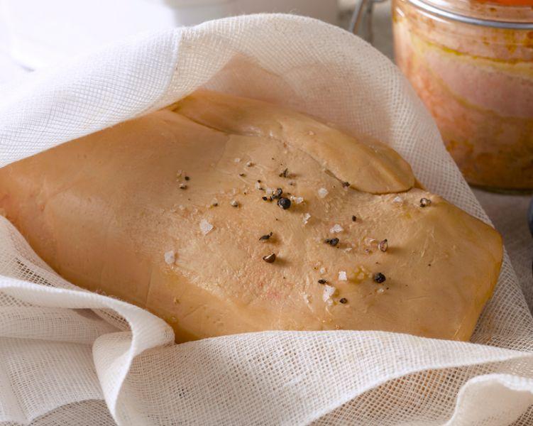 Foie gras cuit au torchon au Sauternes