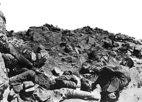 Dead_of_Greek_soldiers_after_the_battle_of_Sakarya