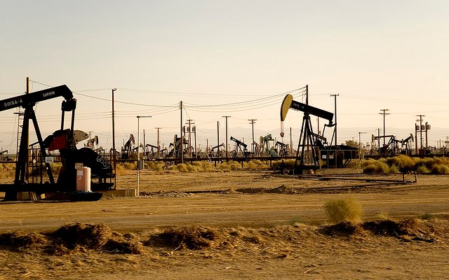 Oil Wells - photo by Tommaso Galli
