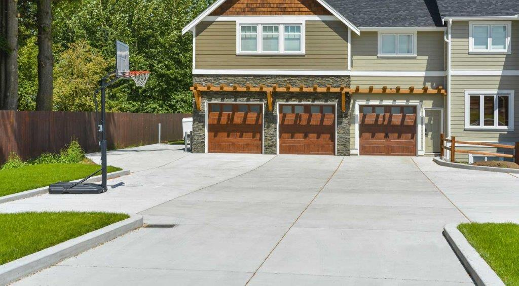 residential-concrete-driveway-installation