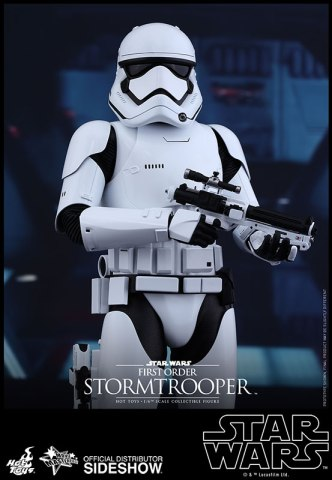 star-wars-first-order-stormtrooper-sixth-scale-hot-toys-902536-01