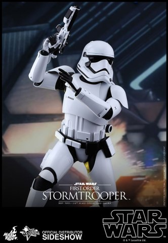 star-wars-first-order-stormtrooper-sixth-scale-hot-toys-902536-05