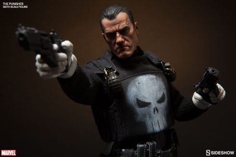 marvel-the-punisher-sixth-scale-sideshow-100212-03
