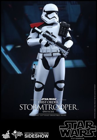 star-wars-first-order-stormtrooper-officer-stormtrooper-set-sixth-scale-hot-toys-feature-902604-03