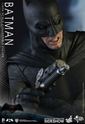 dc-comics-batman-sixth-scale-betman-v-superman-hot-toys-902618-19