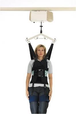 Tavandan ray sistemli bir engelli lifti