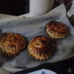 apple-caramel-mini-pie-puffs-1