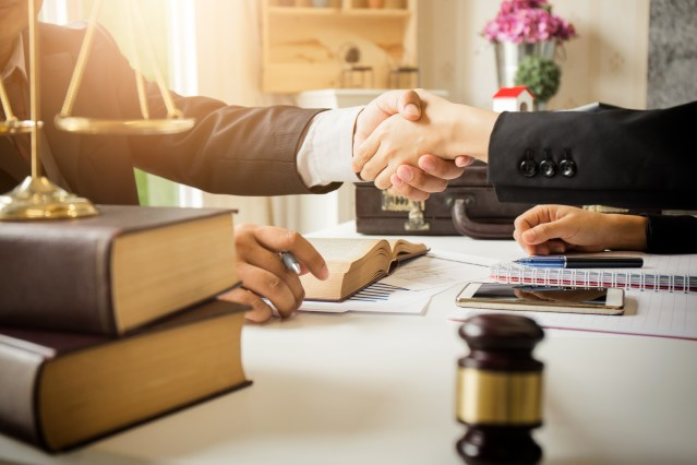How Much Does it Cost to Hire a Lawyer?
