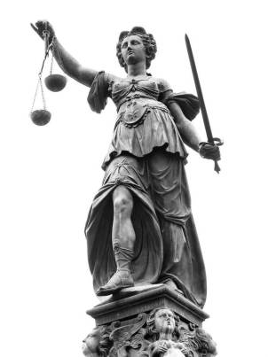 Statue-of-Lady-Justice-Legal-XM