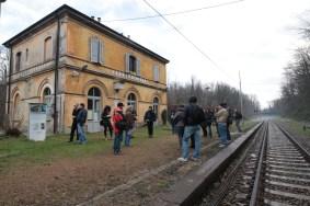 nel paesaggio: una sosta alla stazione