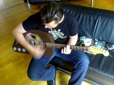 Vespa Guitar (10)