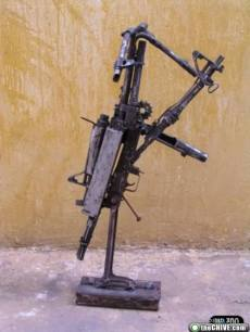 ak47-gun-sculpture-art-13