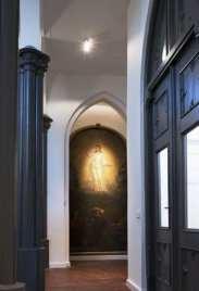 curchouse01.jpg