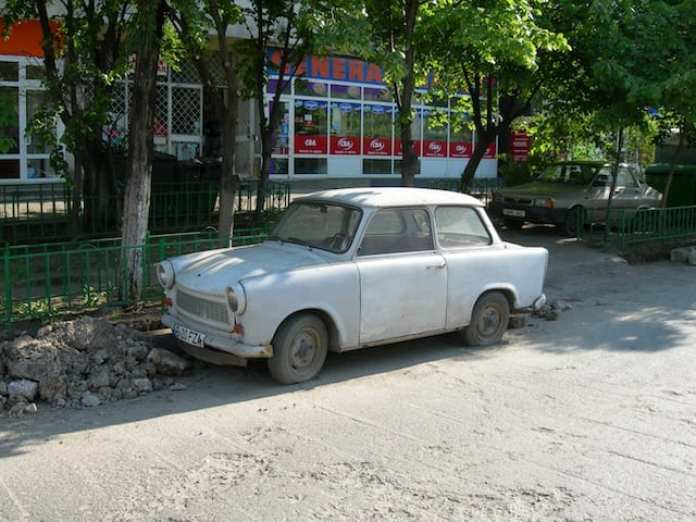 La macchina del comunismo (si poteva scegliere tra bianca o nera)